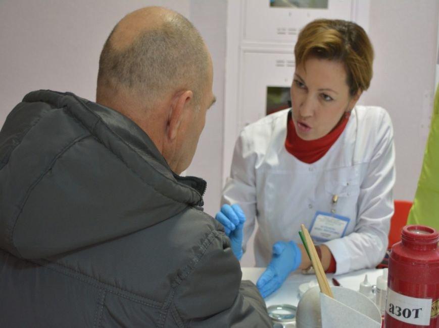 Фоторепортаж: В Новополоцке открылась «Ярмарка здоровья», фото-11