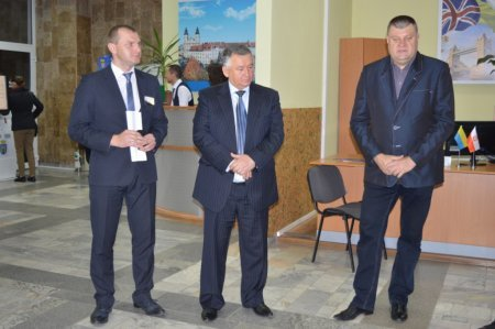 В Івано-Франківску відкрили інформаційно-консультаційний пункт для іноземців (ФОТО), фото-1