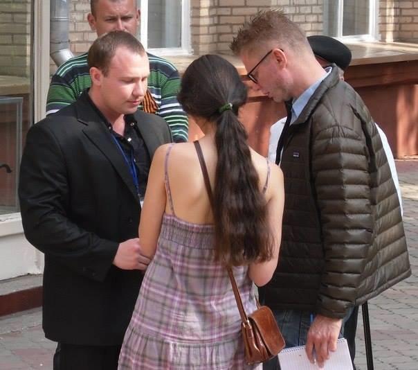 На избирательном участке Краматорска работает участник сепаратистского референдума (фото) - фото 1