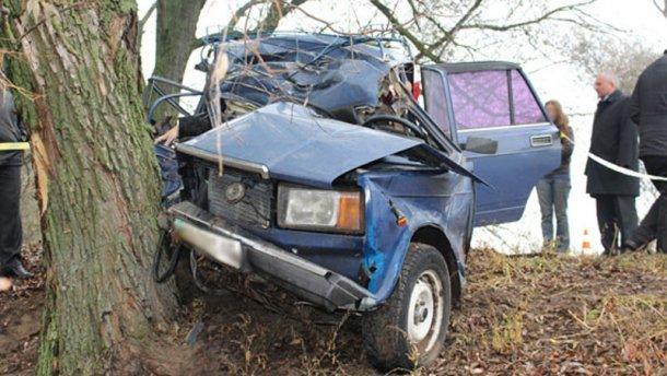 В страшном ДТП в Черниговской области погибло три человека (фото) - фото 1