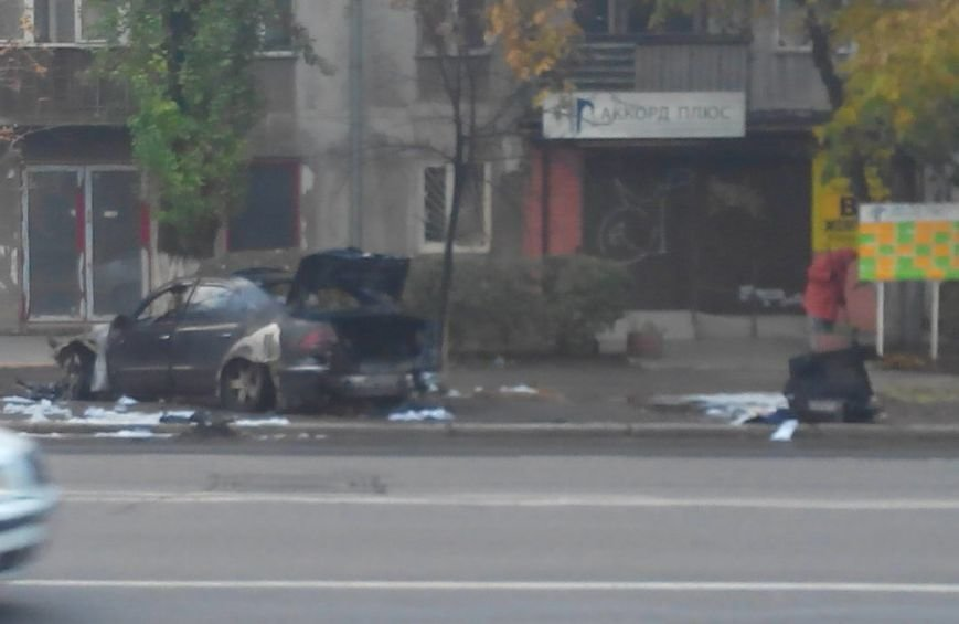 В Одессе на Космонавтов подожгли автомобиль (ФОТО) (фото) - фото 1