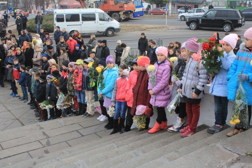 В Днепродзержинске почтили подвиг освободителей города от немецко-фашистских захватчиков, фото-1