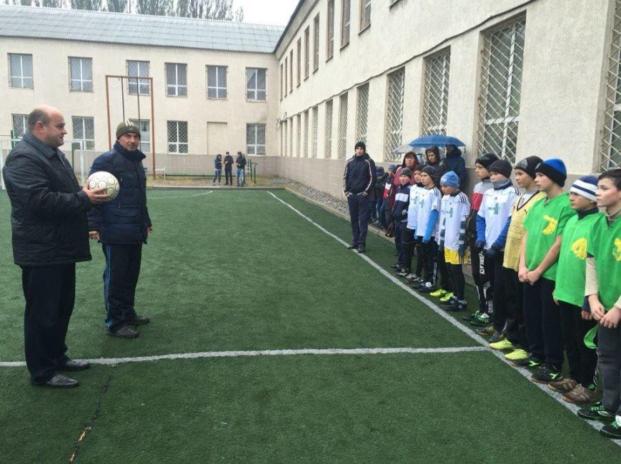 В Красноармейске прошли соревнования по мини-футболу среди сборных команд 5-7 классов (фото) - фото 1