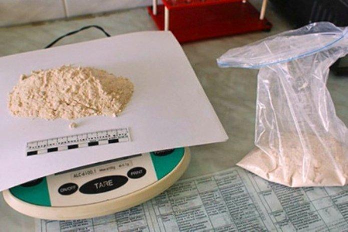 За торговлю амфетамином в Симферополе наркодилеру из Украины грозит 20 лет колонии (ФОТО) (фото) - фото 2