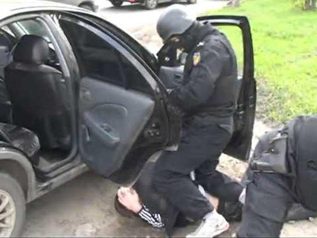 За торговлю амфетамином в Симферополе наркодилеру из Украины грозит 20 лет колонии (ФОТО) (фото) - фото 1