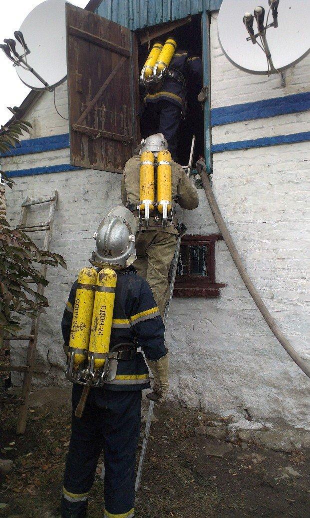 Бобринець: через порушення правил експлуатації пічного опалення виникла пожежа (ФОТО) (фото) - фото 1