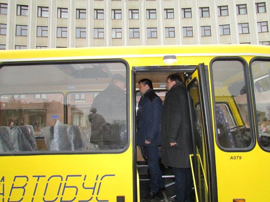 У Верховинський і Коломийський райони поїхали два нових автобуси для перевезення школярів, фото-5
