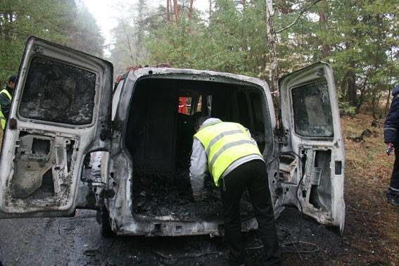 Возле Чернигова грабители атаковали автомобиль «ПриватБанка»: машина сгорела, инкассаторы погибли, фото-4