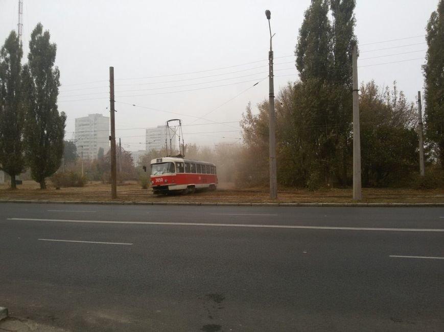 На Клочковской произошел «трамвайный дрифт»: вагон развернуло поперек рельс (ФОТОФАКТ) (фото) - фото 1