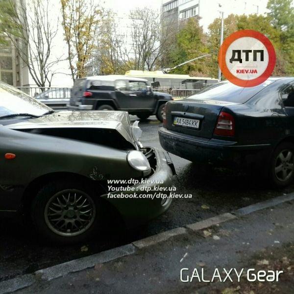 В Киеве в тройном ДТП водителю выбило зубы (ФОТО), фото-3