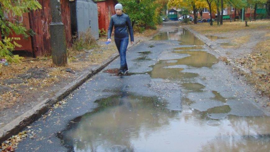 Предвыборное скоростное асфальтирование Мариуполя забраковано обманутыми жителями (ФОТОФАКТ) (фото) - фото 2