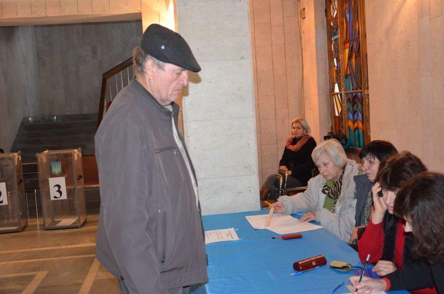 В Першотравневом и Володарском районе идет процесс голосования, фото-5
