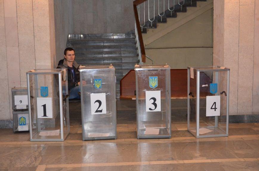 В Першотравневом и Володарском районе идет процесс голосования, фото-8