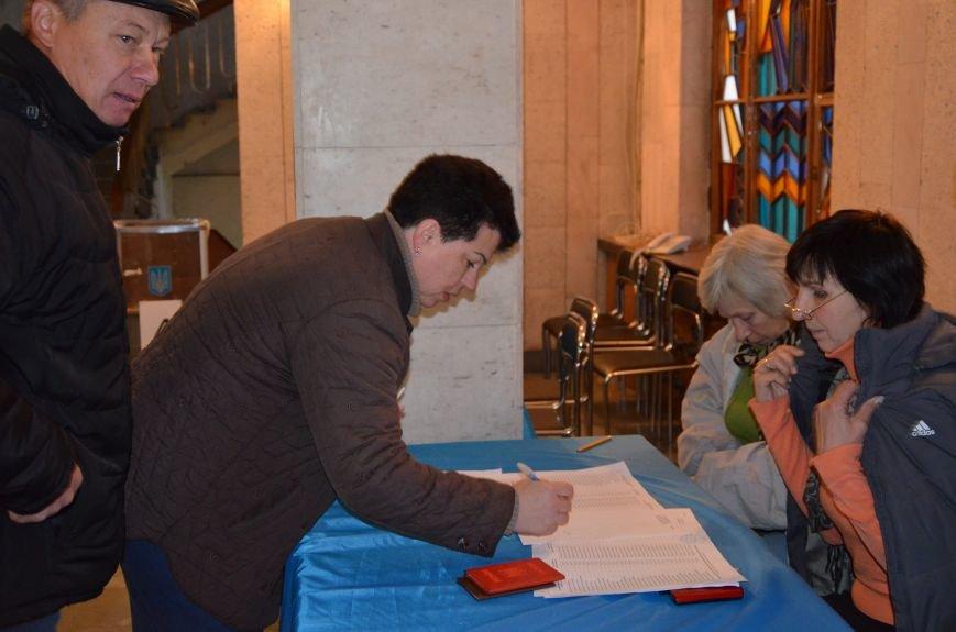 В Першотравневом и Володарском районе идет процесс голосования, фото-9