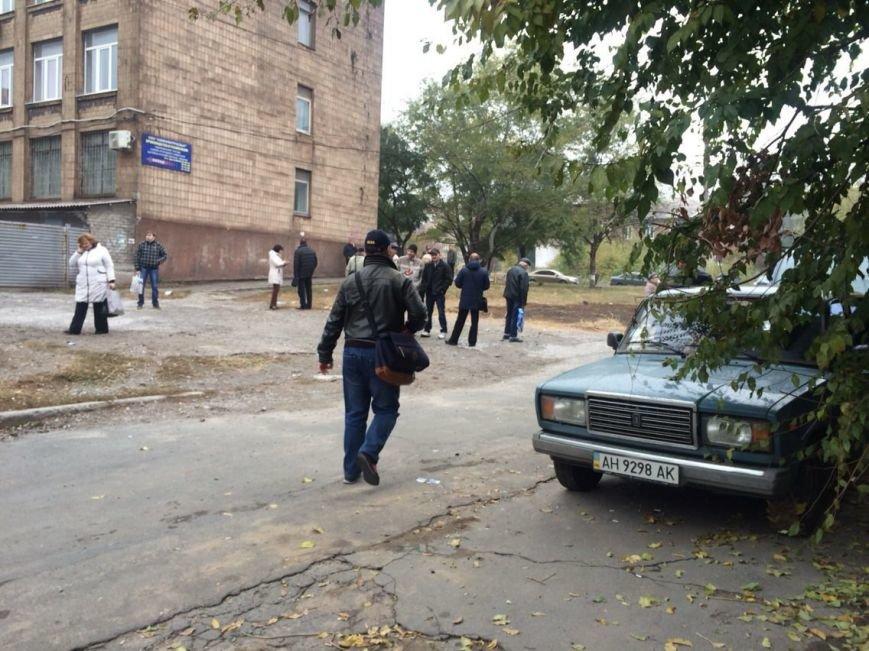 В Мариуполе избиратели пришли под типографию «Приазовского рабочего» (ФОТО+ВИДЕО), фото-3
