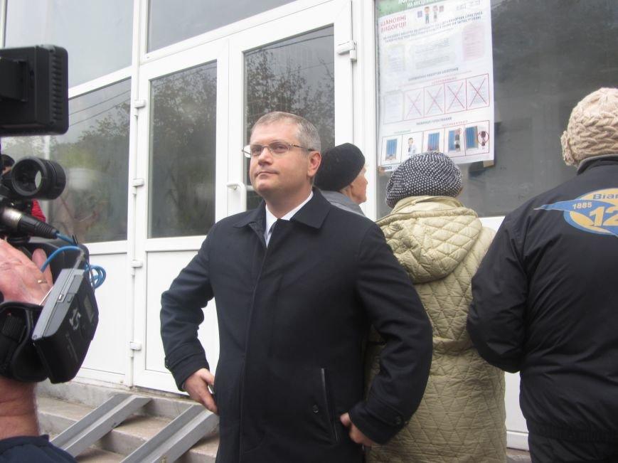 Кандидаты на пост мэра Днепропетровска тоже голосуют (ФОТО), фото-2