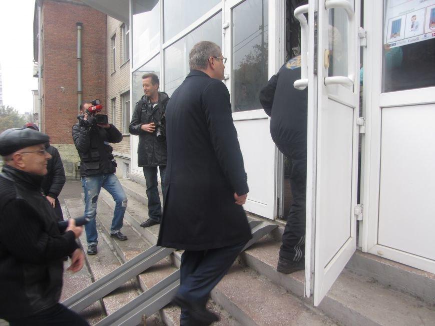 Кандидаты на пост мэра Днепропетровска тоже голосуют (ФОТО), фото-4