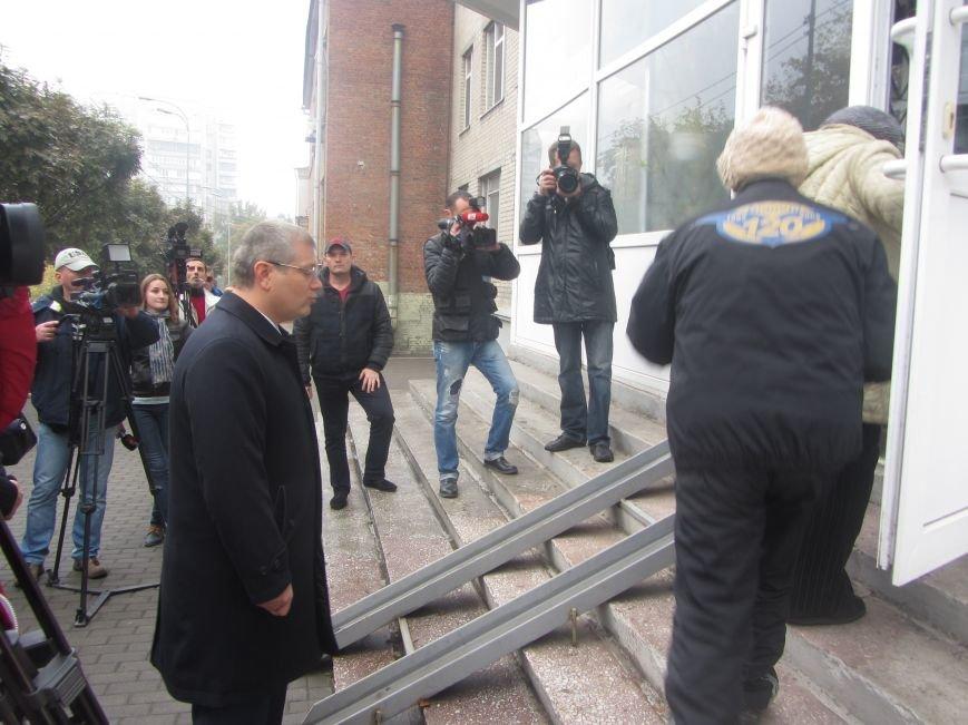 Кандидаты на пост мэра Днепропетровска тоже голосуют (ФОТО), фото-3