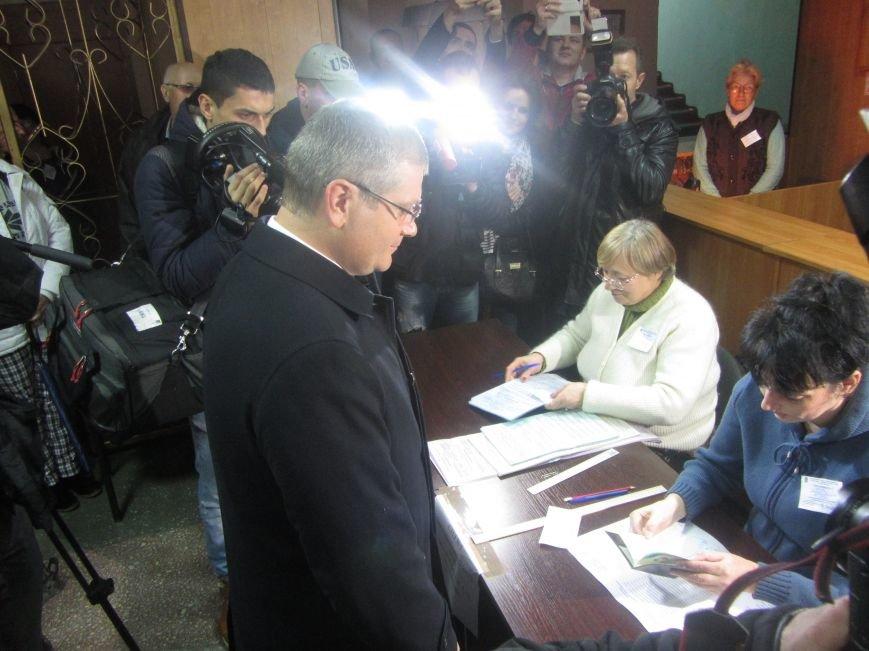 Кандидаты на пост мэра Днепропетровска тоже голосуют (ФОТО), фото-7