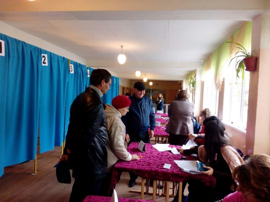 Нарушения на выборах в Краматорске: вынос бюллетеней и «карусели» (фото) - фото 1