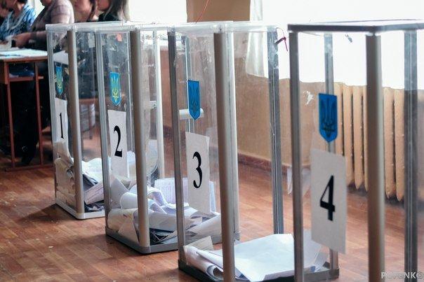 Як голосують кременчужани: фоторепортажі з дільниць та явка виборців станом на 12:00 (фото) - фото 10