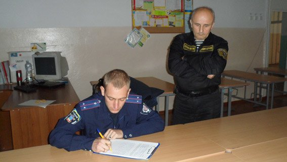 В Николаеве камерой на избирательном участке заинтересовалась милиция (ФОТО) (фото) - фото 2