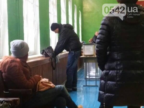Итоги выборов в Сумах: нарушения и явка избирателей (ФОТО+ВИДЕО) (фото) - фото 2