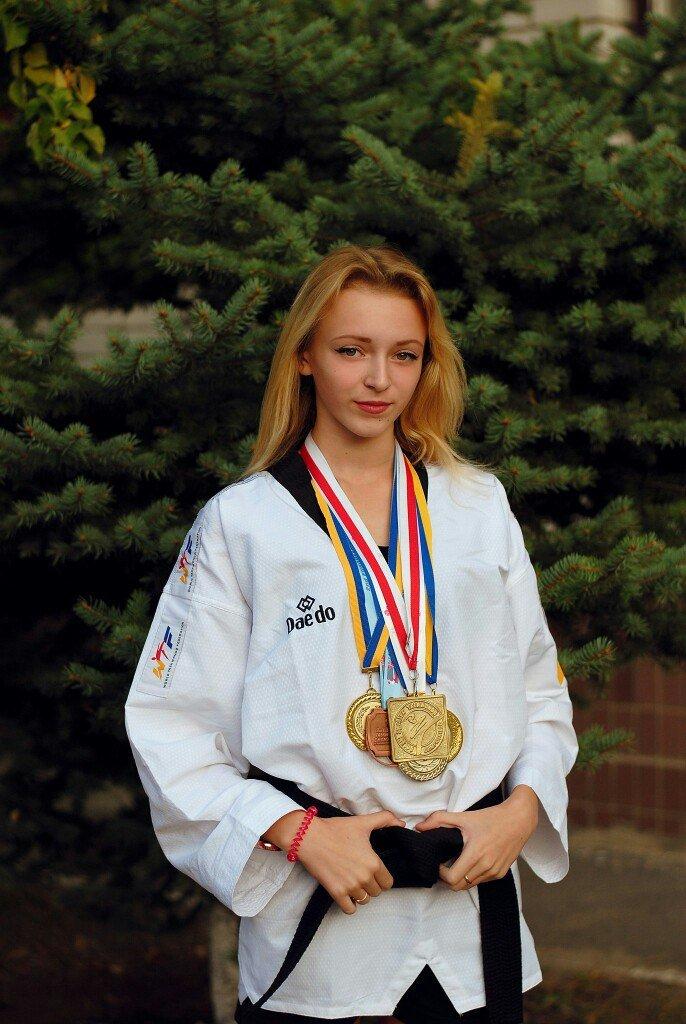 Днепродзержинская тхеквондистка стала бронзовым призером чемпионата Европы (фото) - фото 1