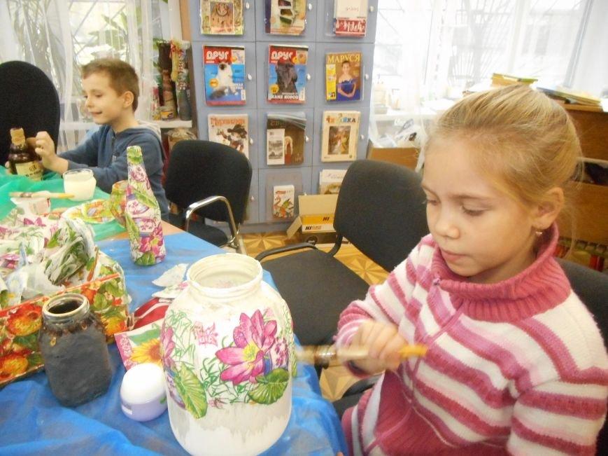 Занятие арт-терапевтической студии прошло в Люберецкой центральной библиотеке (фото) - фото 2