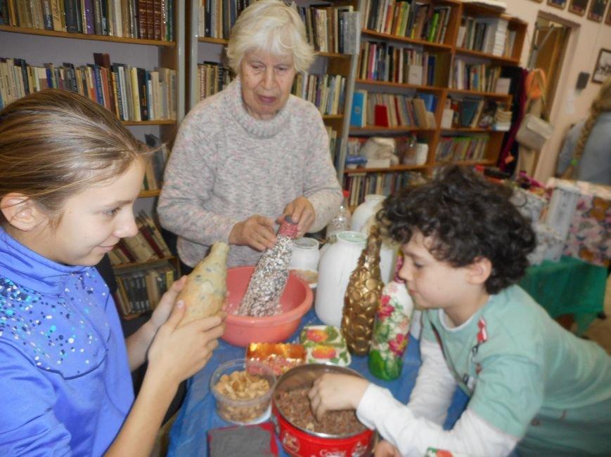 Занятие арт-терапевтической студии прошло в Люберецкой центральной библиотеке (фото) - фото 1