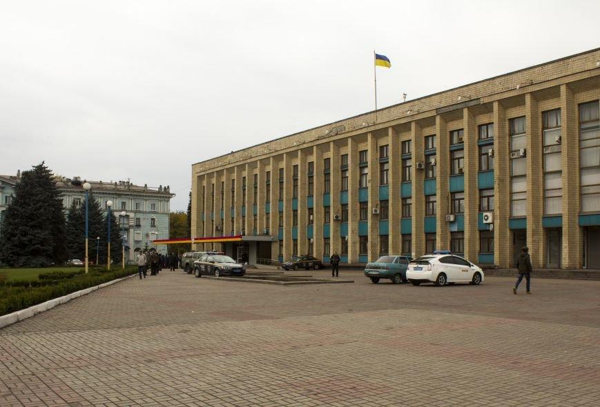 Городская избирательная комиссия Днепродзержинска работает в напряженной обстановке, фото-1