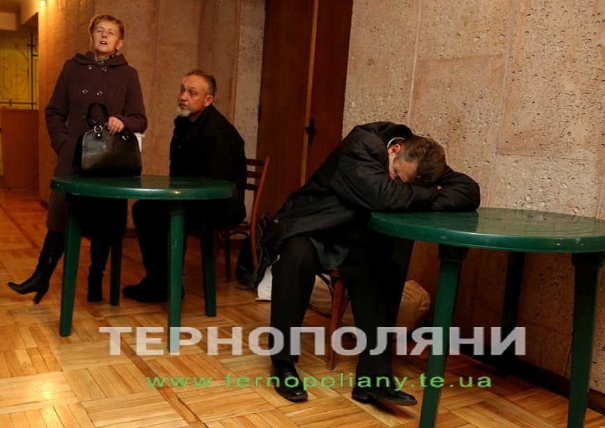 Члени ДВК не витримують навантаження, у «Березіль» неодноразово викликають «швидку» (Фото) (фото) - фото 1