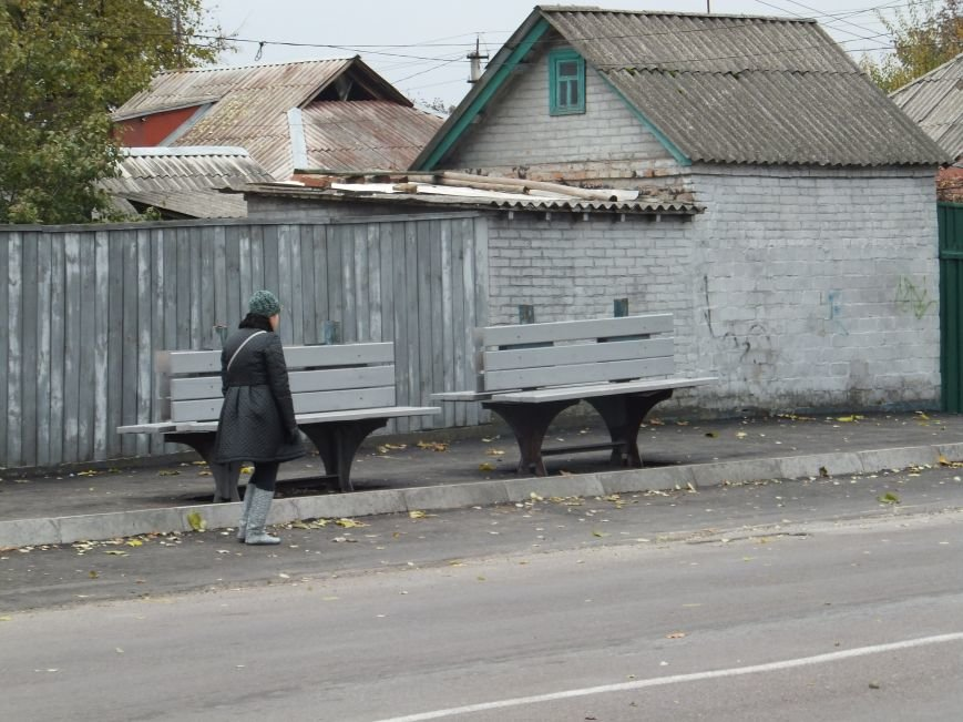 Фотофакт. В Кировограде во время во время избирательной кампании перенесли остановку и оставили ее без крыши (фото) - фото 2