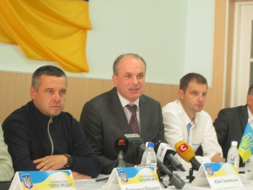 В Мариуполе демократические силы подписали меморандум с требованием cнять главу ЦИК (ВИДЕО+ФОТО), фото-3
