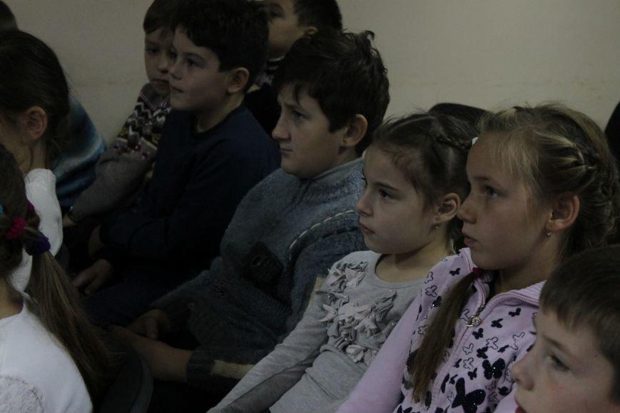 В добропольской детской библиотеке школьники узнали о «Тайне Чипполино» (ФОТО), фото-8
