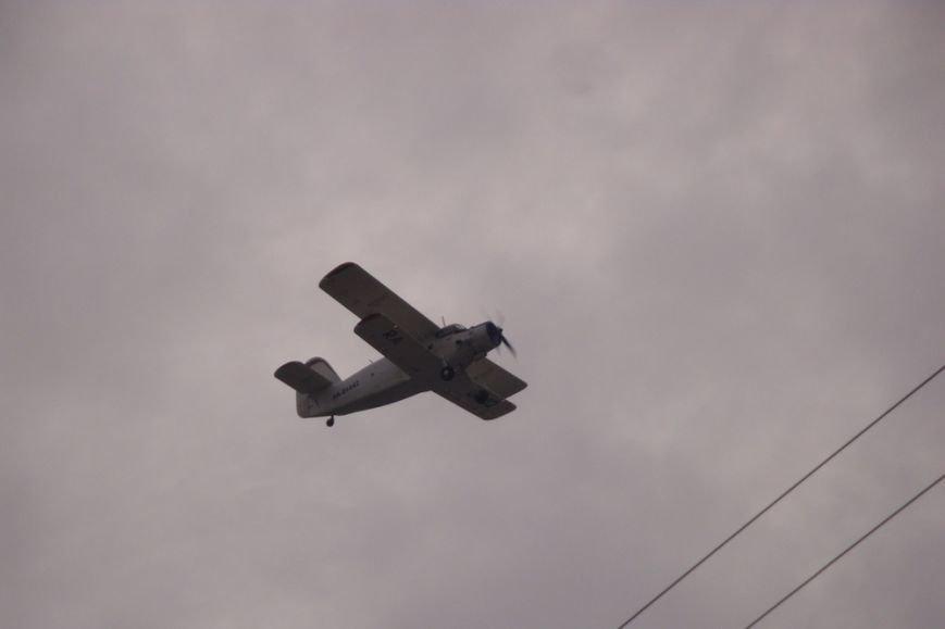 В честь 95-летия летчика-героя Амет-Хана Султана в небе над Симферополем пролетели самолеты (ФОТО, ВИДЕО) (фото) - фото 5
