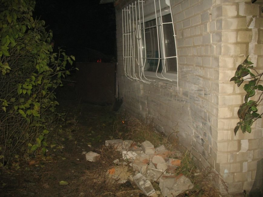 ДТП в Днепропетровске: Hyundai Accent врезался в жилой дом (ФОТО) (фото) - фото 6