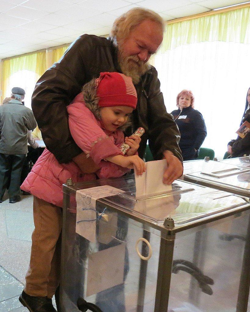 Самые яркие моменты днепропетровских выборов (ФОТО), фото-1
