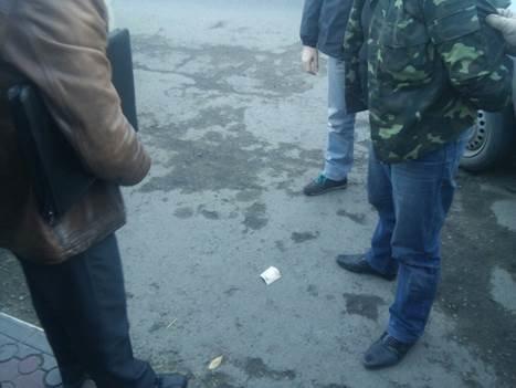 На Буковині еколога-чиновника зловили на хабарі (фото) - фото 1