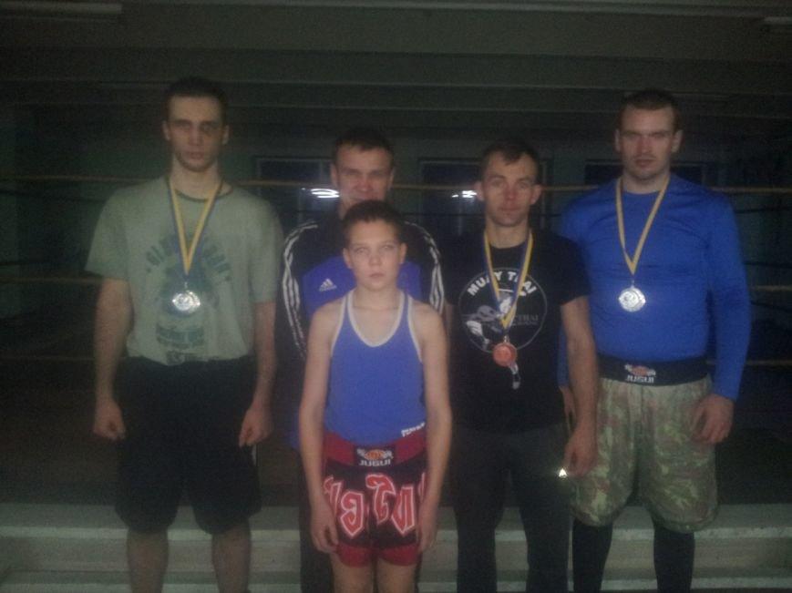Славянские спортсмены приняли участие в чемпионате Украине по кикбоксингу (фото) - фото 1