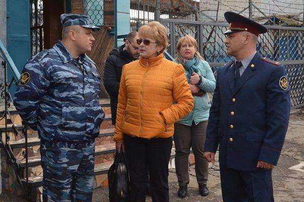 Уполномоченный по правам человека проверила, в каких условиях содержат заключенных Симферопольской колонии (ФОТО) (фото) - фото 2