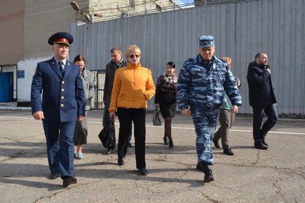 Уполномоченный по правам человека проверила, в каких условиях содержат заключенных Симферопольской колонии (ФОТО) (фото) - фото 1