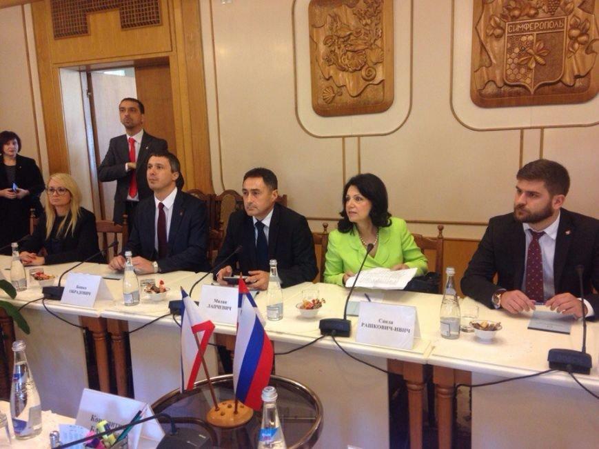 Делегация из Сербии приехала в Крым в поисках поддержки в проведении референдума (ФОТО) (фото) - фото 1