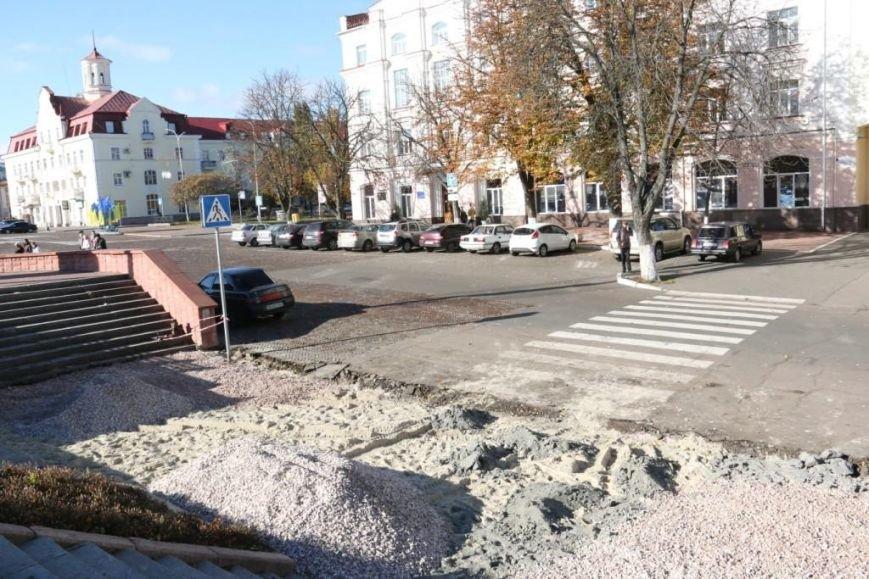 Тротуары в Чернигове продолжают ремонтировать между первым и вторым туром выборов, фото-3