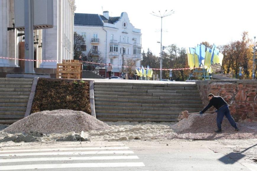 Тротуары в Чернигове продолжают ремонтировать между первым и вторым туром выборов, фото-1