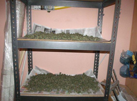В Киеве супруги организовали наркопритон в торговом салоне (ФОТО) (фото) - фото 2