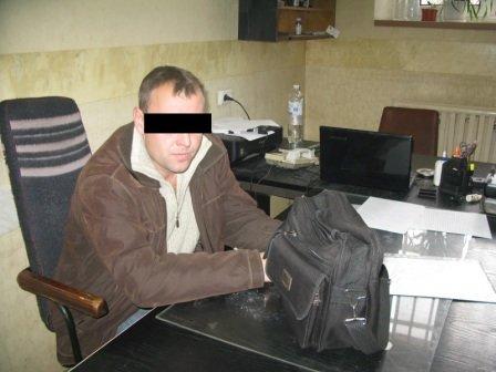 В Киеве инспектор пытался пронести в СИЗО наркотики (ФОТО) (фото) - фото 4