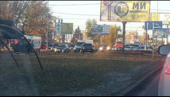 В Киеве ДТП спровоцировало затор в сторону Петровки (ФОТОФАКТ) (фото) - фото 2
