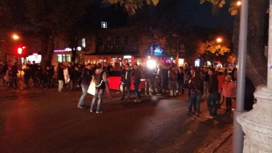 В центре Одессы наблюдатели от Гурвица перекрыли Екатерининскую и требуют денег (ФОТО) (фото) - фото 1