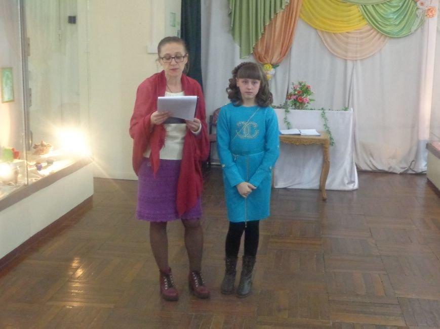 В Красноармейском историческом музее презентовали многогранную выставку «Українська душа» (фото) - фото 1